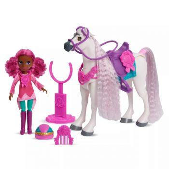 Winner's Stable Madison & Huntley Doll & Horse Figure Set 53175